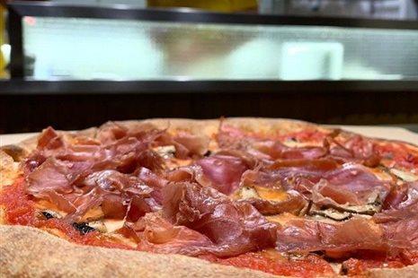 3(ακόμη) πίτσες στην Αθήνα που θα σε κάνουν να πεις 'Mamma Mia'